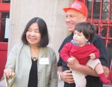 Co-founders of DCTV Keiko Tsuno, Jon Alpert, with baby Callum, the future of documentary cinema <em>Photo: Anne-Katrin Titze