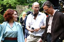 Patricia Clarkson, Ira Sachs and Chris Cooper on set