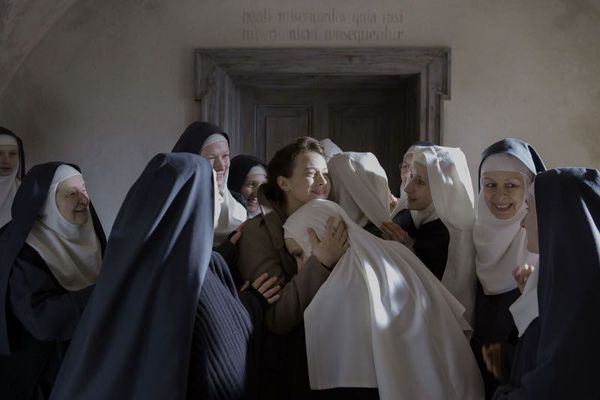 Agnus Dei - 1945 Poland: Mathilde, a young French doctor, is on a mission to help World War II survivors. When a nun seeks her assistance in helping several pregnant nuns in hiding, who are unable to reconcile their faith with their pregnancies, Mathilde becomes their only hope.