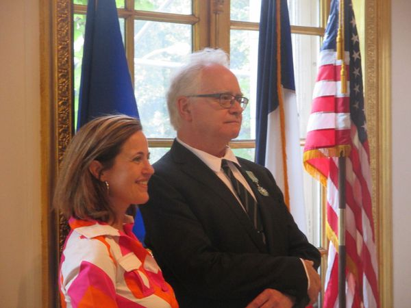 Bénédicte de Montlaur with Chevalier of the Order of Arts and Letters honoree Dave Kehr