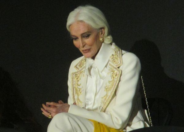 "‪Carmen Dell'Orefice‬: ""The thing about Guo Pei is that she is the purest child. She doesn't envy. Her love is so pure. That's what makes her artistry just unique."""