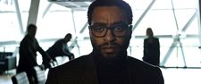 NASA missions director Vincent Kapoor (Chiwetel Ejiofor)