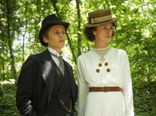 Colette (Keira Knightley) with her lover Missy (Denise Gough)