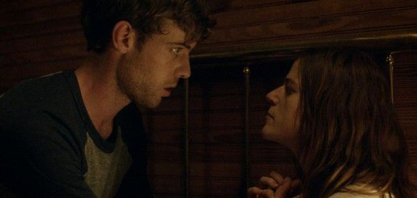 Harry Treadaway and Rose Leslie in Honeymoon