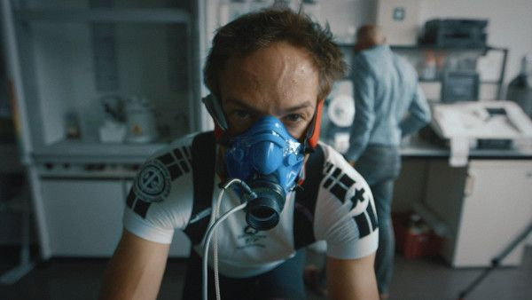 Icarus - when Bryan Fogel sets out to uncover the truth about doping in sports, a chance meeting with a Russian scientist transforms his story from a personal experiment into a geopolitical thriller involving dirty urine, unexplained death and Olympic Gold — exposing the biggest scandal in sports history.