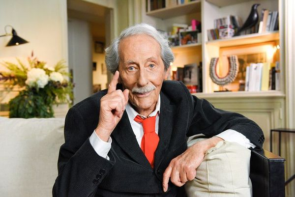 In typical dandy-esque pose: Jean Rochefort who, besides acting, harboured a life-long passion for equestrian pursuits.