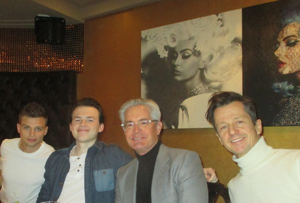 Out to lunch with Giant Little Ones - Darren Mann, Josh Wiggins, Kyle MacLachlan, and Keith Behrman