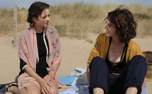 Marion Cotillard and Charlotte Gainsbourg in Arnaud Desplechin's Ismaël's Ghosts