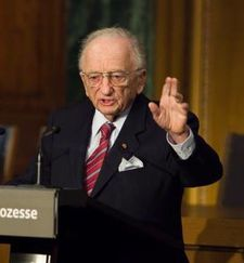 "On Nuremberg prosecutor Benjamin Ferencz: ""Mr. Ferencz, can you explain to me how did you do it in Nuremberg?"""