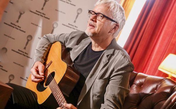 Tim Robbins will be in concert with The Rogues Gallery Band - playing at the Karlovy Vary International Film Festival