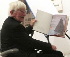 "Tomi Ungerer reading Fog Island: ""I read and I write my stories in French, in German and in English."""