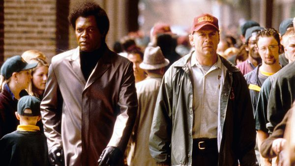 Unbreakable 2000 Movie Review From Eye For Film