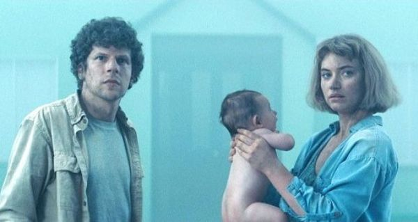 Jesse Eisenberg and Imogen Poots in Lorcan Finnegan's science fiction film Vivarium