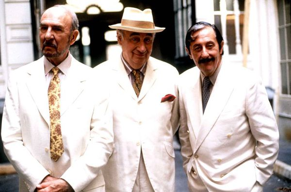 Flamboyant and theatrical trio now no more: (from left) Jean-Pierre Marielle, Philippe Noiret and Jean Rochefort as they appeared in Les Grands Ducs by Patrice Leconte.