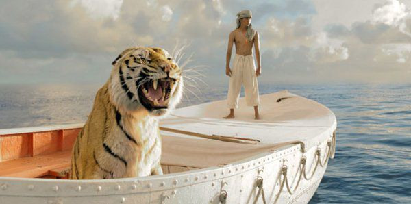 Richard Parker and Suraj Sharma in Life Of Pi
