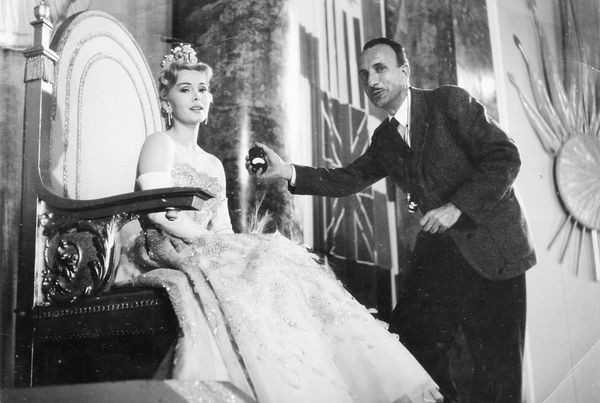 Zsa Zsa Gabor on set with cameraman Heinz Ritter